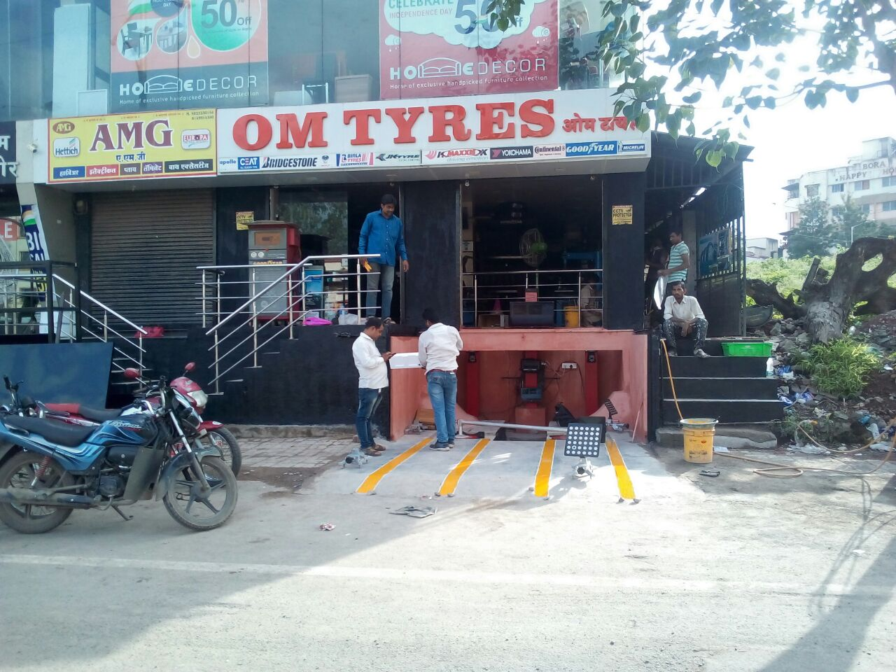 om tyres pune 3 customer